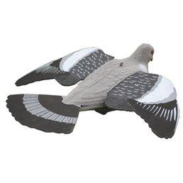 vliegende duif 41cm geflockt