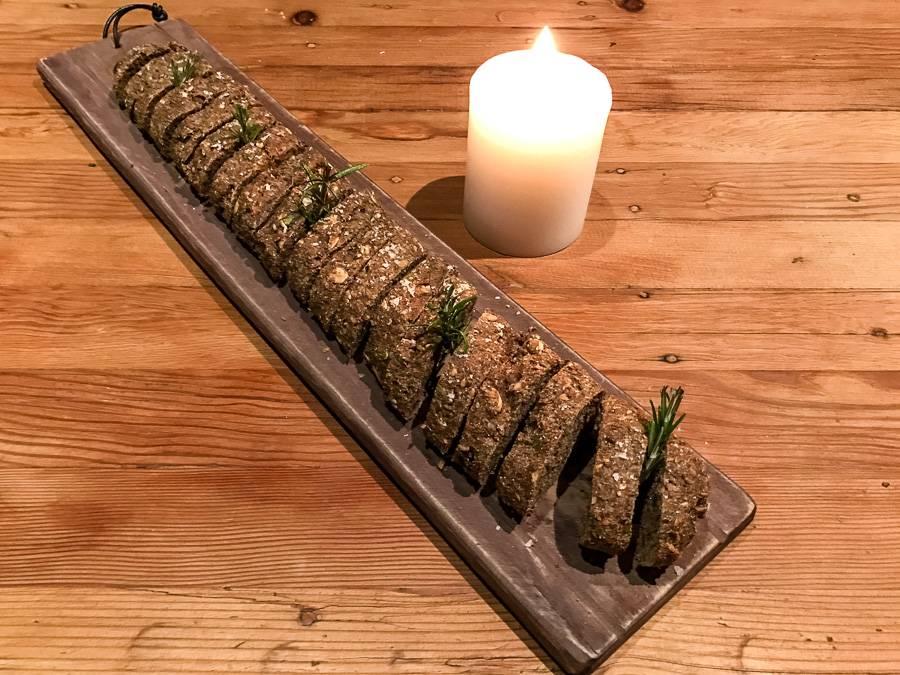 Paleo Kräuterbaguette mit glutenfreier Brotbackmischung von Organic Workout