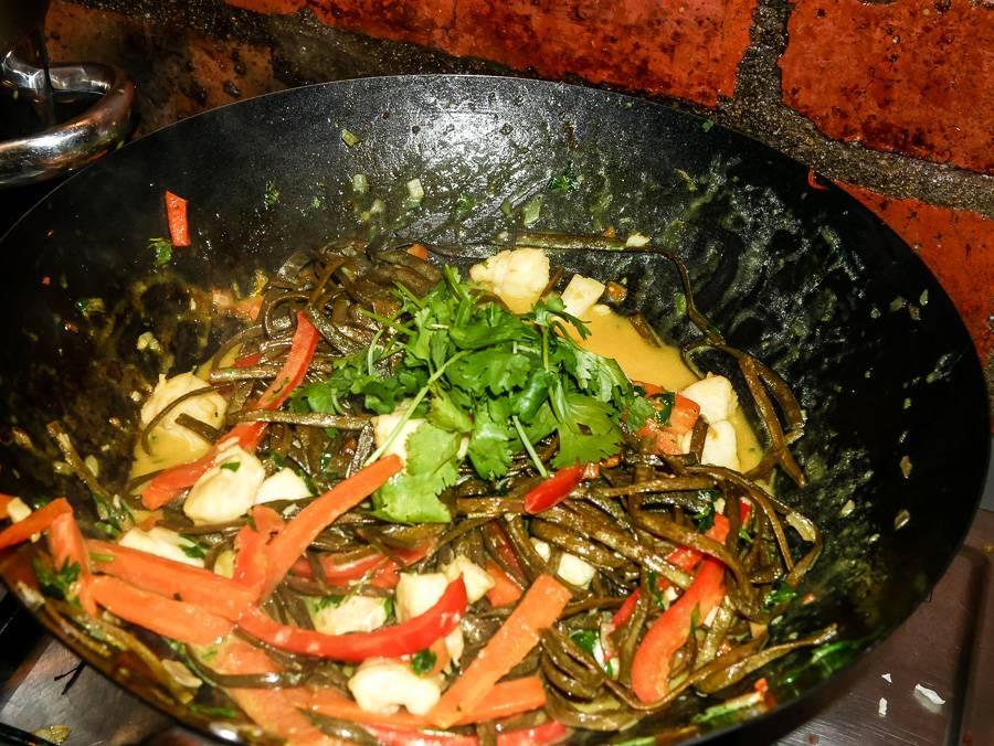 Paleo Rezept: Fisch Curry mit Algen Pasta von Seamore