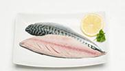 Gerookte makreel met appel en tuinkruidensaus