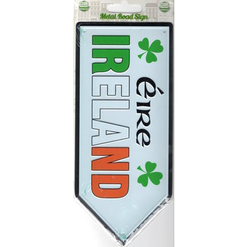 TRADITIONAL - ROAD SIGN OF IRELAND