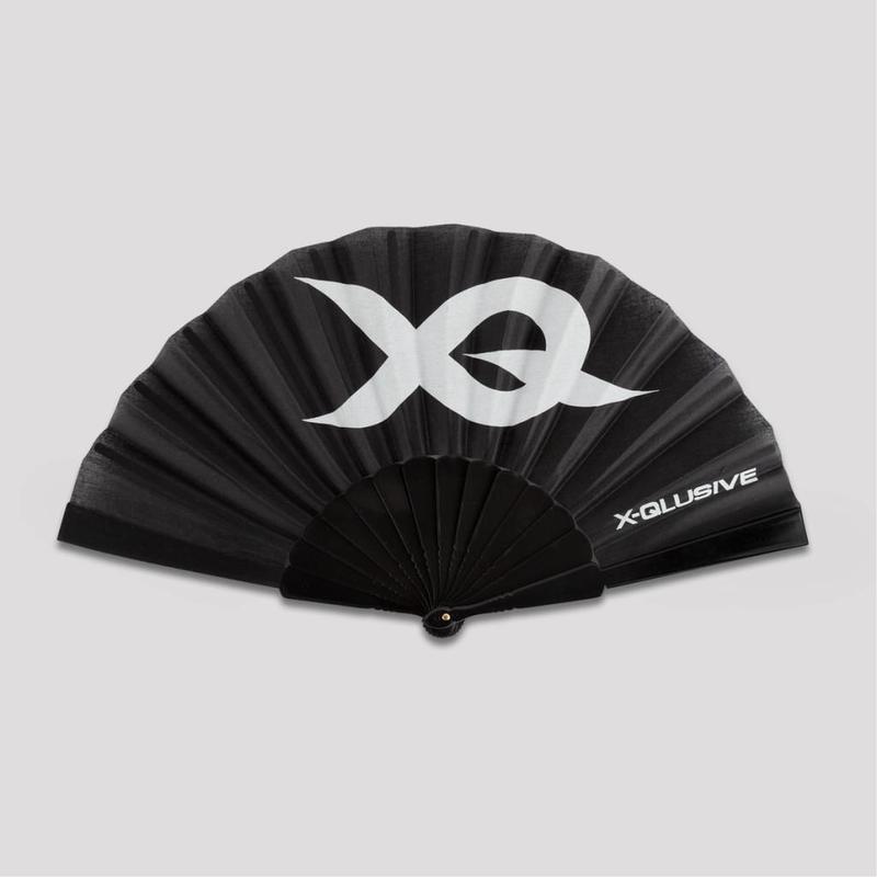 X-QLUSIVE HANDFAN BASIC BLACK