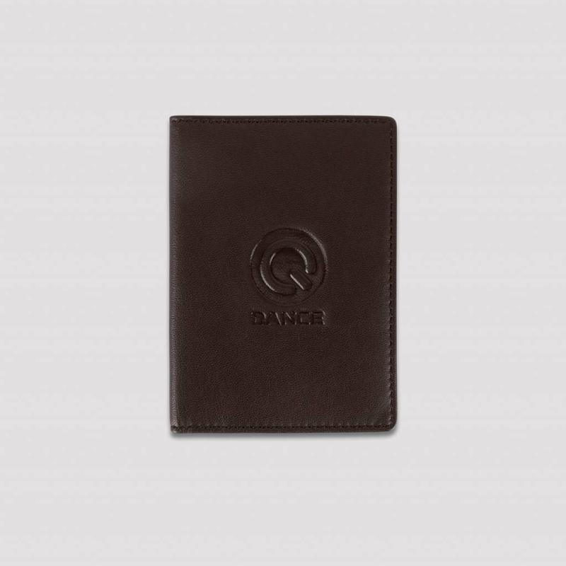 Q-DANCE PASSPORT COVER LEATHER BROWN