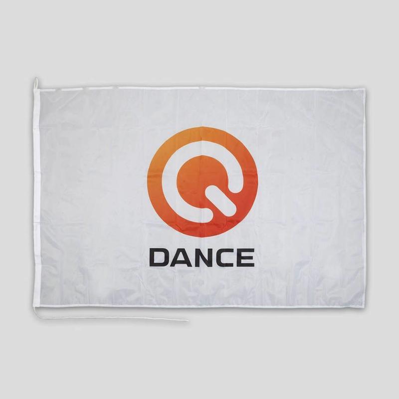 Q-DANCE FLAG WHITE