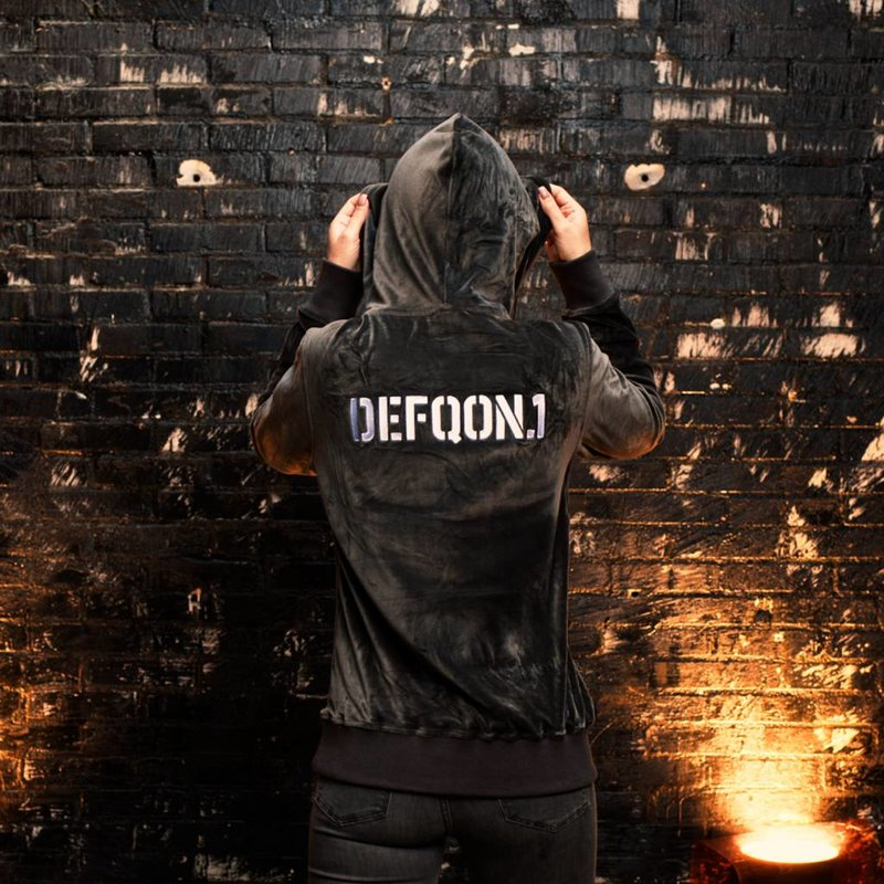 DEFQON.1 HOODIE VELVET GREY