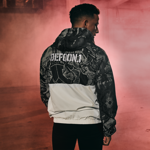 Defqon.1 wind jacket white/ sticker bomb