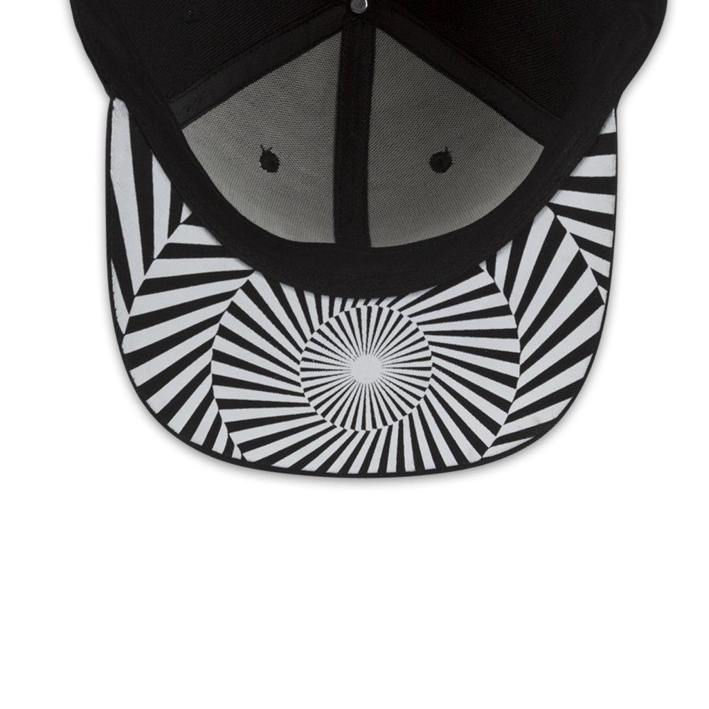 SNAPBACK BLACK/WHITE