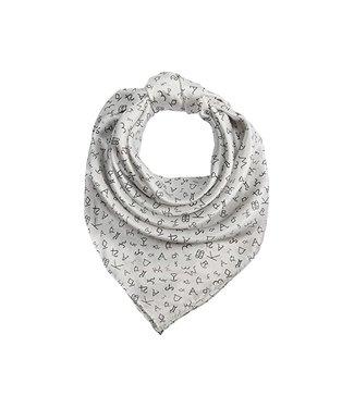 Witte shawl met symbolen