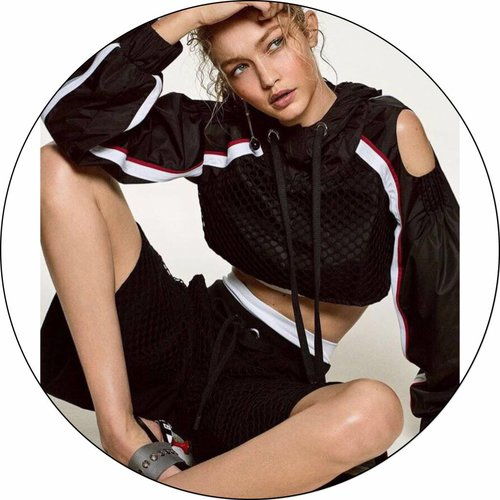 Gigi Hadid definitely rocks in NO KA' OI