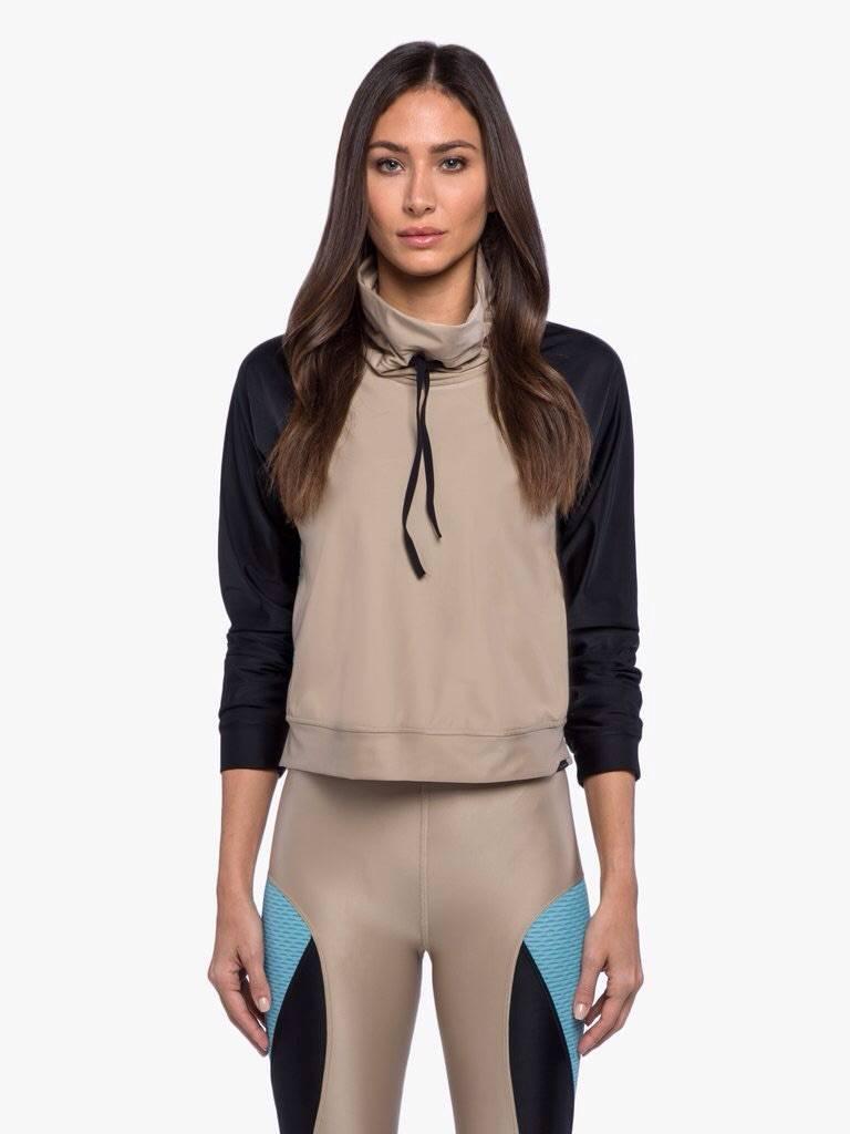 Koral Activewear Pump Pullover - Hummus/Black/Blue