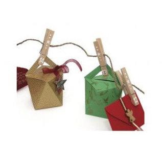 Spellbinders und Rayher Sjabloon, kubus, doos 9 cm hoog x 7 cm breed.