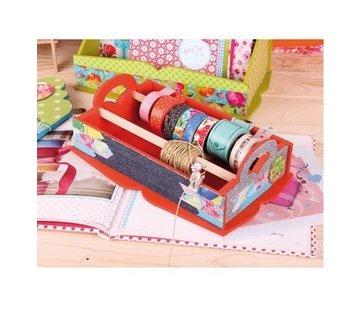 Objekten zum Dekorieren / objects for decorating wooden box for storage of decorative ribbons