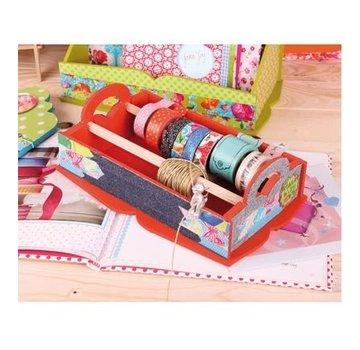 Objekten zum Dekorieren / objects for decorating trækasse til opbevaring af dekorationsbånd