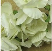BLUMEN (MINI) UND ACCESOIRES Boeketten bloemen, wit, vintage look