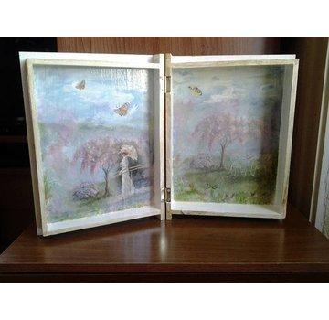 Objekten zum Dekorieren / objects for decorating 1 doos in boekvorm in hout