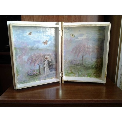 Objekten zum Dekorieren / objects for decorating 1 boks i bogform i træ