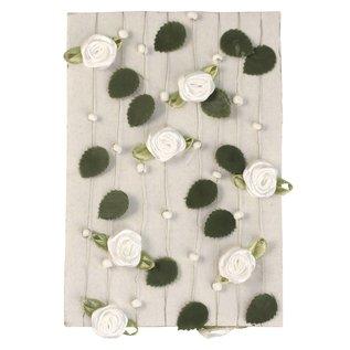 Embellishments / Verzierungen Rosengirlande mit Blättern + Perlen weiß