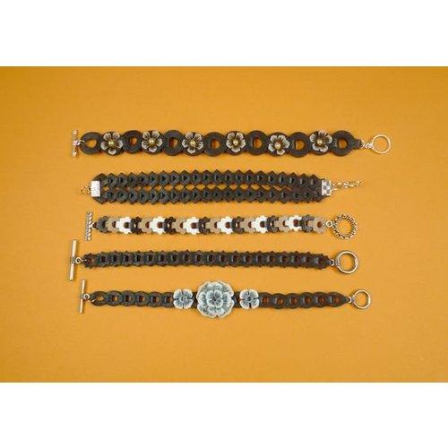 créer des bracelets avec des matrices de coupe