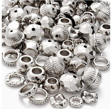 Embellishments / Verzierungen 12 metallizzate, anelli color argento, ciondoli, perline