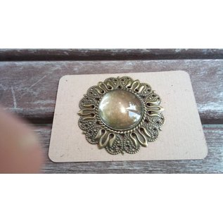 Embellishments / Verzierungen 1 Charm in Vintagelook met 1 glazen Cabouchon