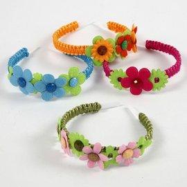 Embellishments / Verzierungen 16 fleurs colorées en feutre ouaté dans 5 formes différentes