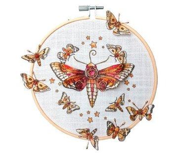 CREATIVE EXPRESSIONS und COUTURE CREATIONS Pink Ink Desings: Définissez libellule, tampon A5, pour concevoir une scène 3D!
