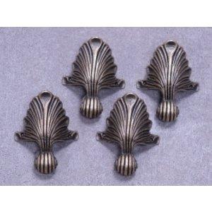Embellishments / Verzierungen 4 metalen poten in antiek brons