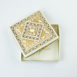 Tonic Studio´s Karton, A4, in satijn goud, 5 vellen