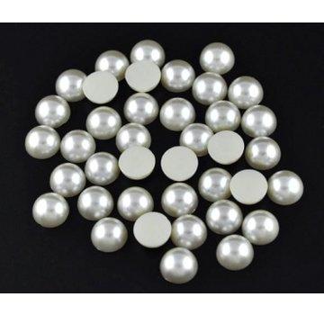 Embellishments / Verzierungen 200 halve perler, 6 mm, med smukke perlemorskimmer. De er ideelle til at dekorere kort, kasser, scrapbøger, album og mange andre håndværksideer.