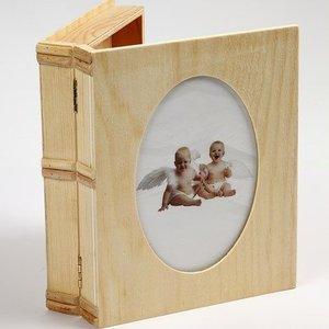Objekten zum Dekorieren / objects for decorating Boîte en bois sous forme de livre avec Passepartout dans le couvercle.
