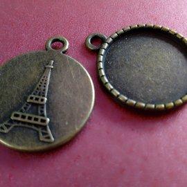 Embellishments / Verzierungen Dijes, 2 piezas, redondas con motivo de la Torre Eiffel.