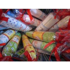 Una meravigliosa collezione di tessuti di zia Ema. Sia per la progettazione di bellissimi zaini da scuola, idee decorative sofisticate o per scatole di laminazione, libri e molto altro!