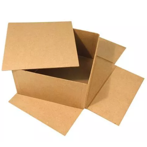 Objekten zum Dekorieren / objects for decorating Box with separate lid, very stable, 20 x 20 x 11 cm