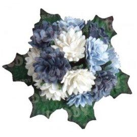 Embellishments / Verzierungen Bund Mini Crysanthemen med blade: h'blau, d'blå og hvid