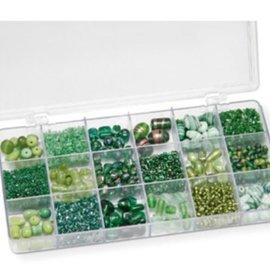 Schmuck Gestalten / Jewellery art Assortiment van glazen kralen, groen