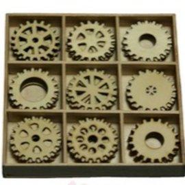 Objekten zum Dekorieren / objects for decorating Gears 30 pièces dans une boîte en bois !! 10,5 x 10,5 cm