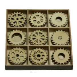 Objekten zum Dekorieren / objects for decorating Ingranaggi 30 parti in una scatola di legno !! 10.5 x 10.5 cm