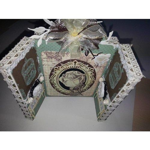 Objekten zum Dekorieren / objects for decorating pictogram met drie vleugels, gemaakt van hout - met metalen scharnieren 18 x 22 cm