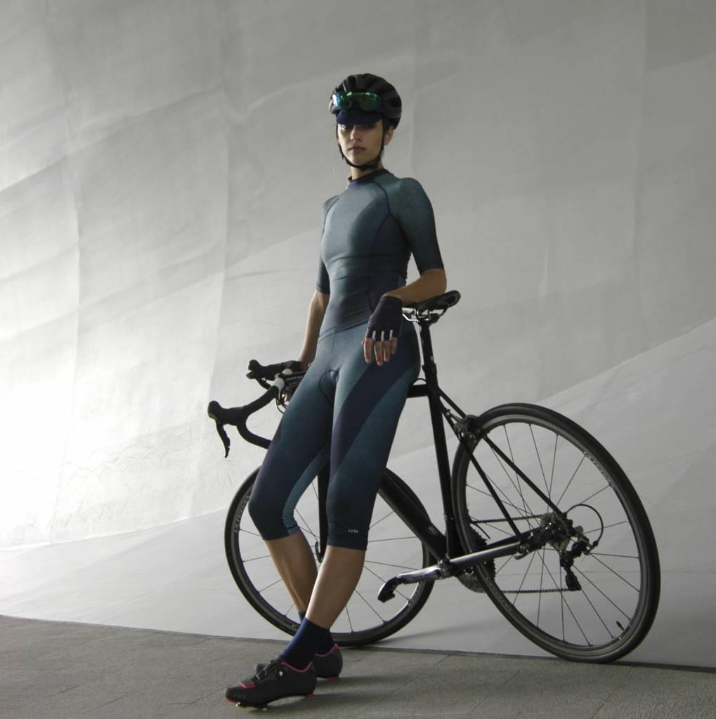 3/4 cycle tight