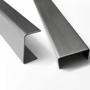 Versandmetall Set [2stuks] RVS U-profiel 1,5 mm 90 ° axcxb 50x27x50mm (binnen 23x48mm) Lengte 1645mm, 1.4301 buiten K320, één zijde met beschermfolie