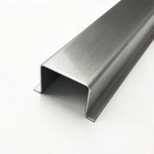 -Speciaal hoedprofiel gemaakt van 2 mm roestvrij staal, geborsteld graan 320, a en b 61 mm c167 mm L = 1500 mm extra bochten volgens de schets