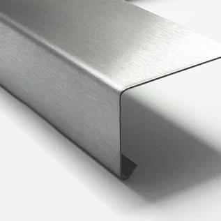 Versandmetall Set (2 stuks) speciale druppelplaat 90 ° gemaakt van 1,0 mm roestvrij staal, dubbelzijdig geslepen, oppervlak aan één zijde geslepen korrel 320 zichtbare zijde buiten axbxL 195x43x1772mm