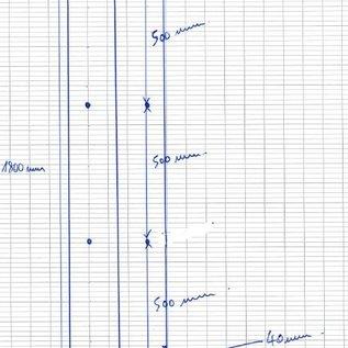 Versandmetall Sparset - 62 Stück Kantenschutzwinkel 3-fach gekantet,  Materialdicke 1,5 mm, axb 100 x 100 mm, Länge 1800 mm,  Aussen Schliff K320, 8 Bohrungen mit 4mm Durchmesser inkl Absenkungen gem Skizze