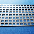 Vierkant geperforeerd metaal 8x8mm roestvrij stalen staaf 4mm, snijranden dicht