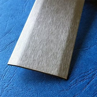 Versandmetall Bande de recouvrementmixte inox 1.4301 surface  brossé en grain320 2 fois 172 ° biseauté