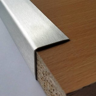 Versandmetall Kantenschutzwinkel 3-fach gekantet ungleichschenkelig Länge 1000mm aussen Schliff K 320