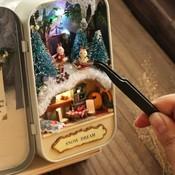 Zelf Cadeautjes Maken Mini 3-D Theater in Blik