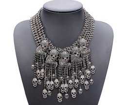 Statement Necklace met Doodshoofden