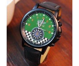 Horloge met Lichtgevende Wijzers