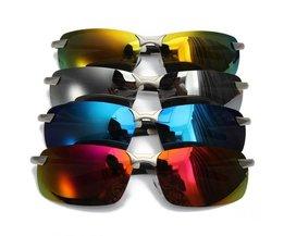 Zonnebril Met Gekleurde Glazen